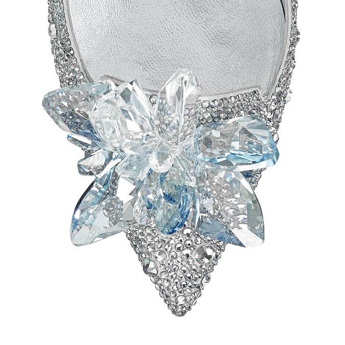 Cinderella Shoe by Jimmy Choo with Swarovski crystals modern design Jimmy Choo creates modern design Cinderella Shoe worthy of Fairy tale 001arisxu crystal detail