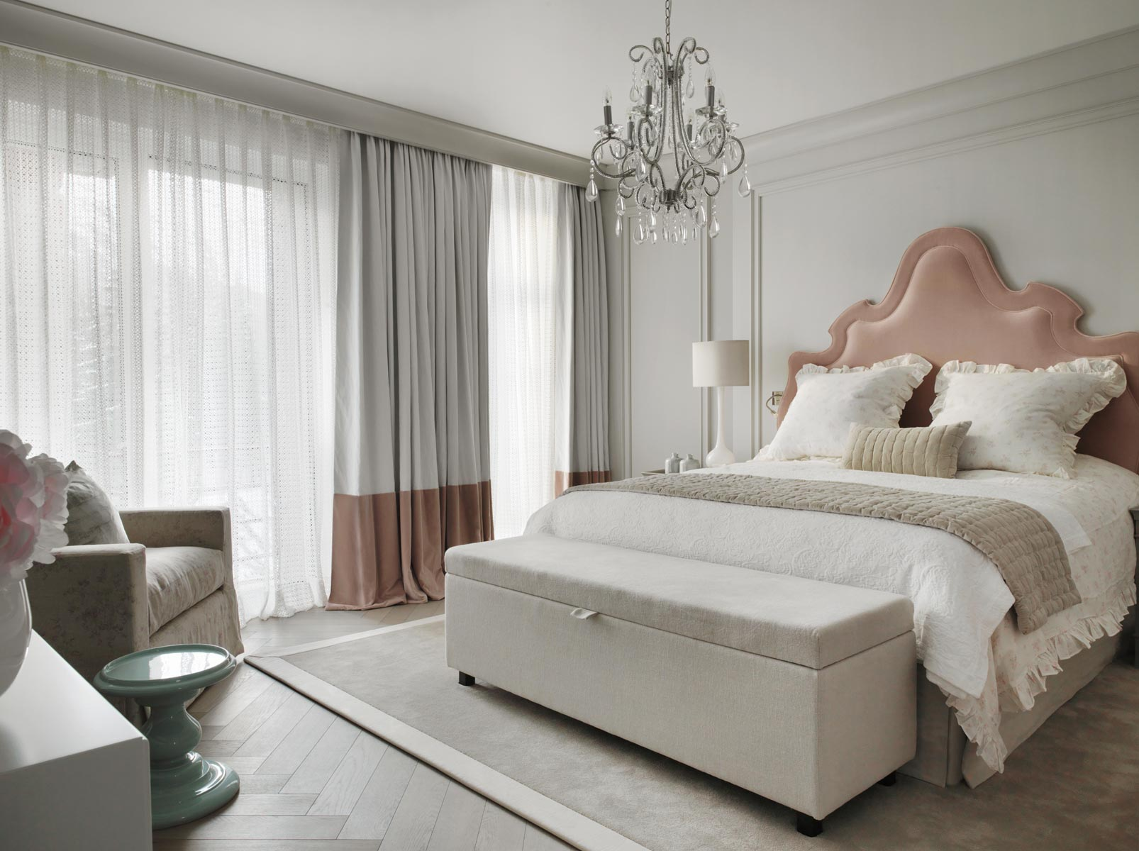 Amazing Modern Design Bedroom By Kelly Hoppen Kelly Hoppen Top 10 Kelly Hoppen  Design Ideas Chalet Switzerland3