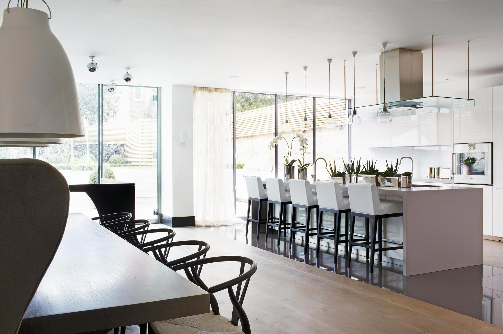 Family home london - modern design kitchen kelly hoppen Top 10 Kelly Hoppen Design Ideas the family home london2