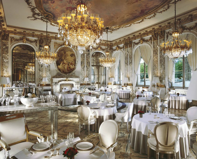 Stunning lighting design at Le Meurice, Paris lighting design Most famous hotels with luxurious lighting design Le Meurice Paris