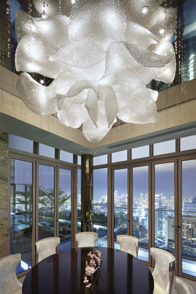 Stunning lighting design at Ritz Carlton Singapore lighting design Most famous hotels with luxurious lighting design Ritz Carlton Singapore