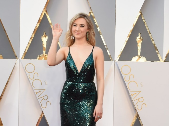 Oscars fashion 2016 luxury in Red Carpet Saoirse Ronan oscars Oscars fashion 2016: Red Carpet vs LUXXU's designs Oscars fashion 2016 luxury in Red Carpet Saoirse Ronan e1456736116981