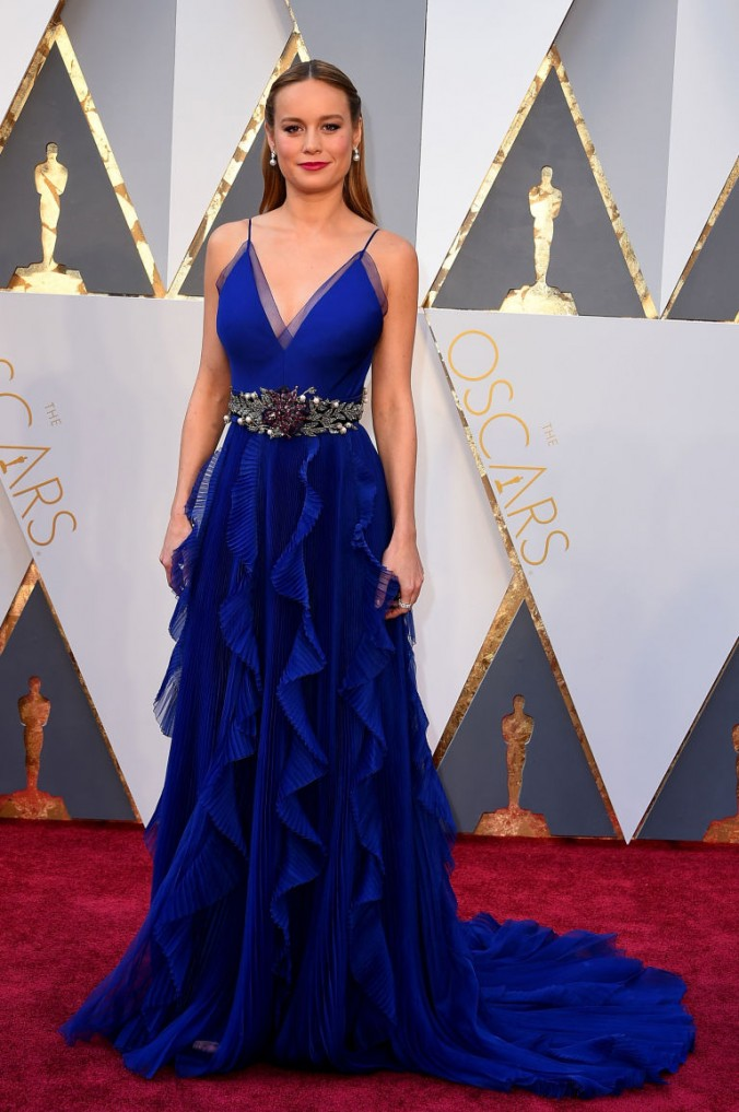 Red Carpet brie larson oscars Oscars fashion 2016: Red Carpet vs LUXXU's designs Oscars fashion 2016 luxury in Red Carpet brie larson e1456739020195