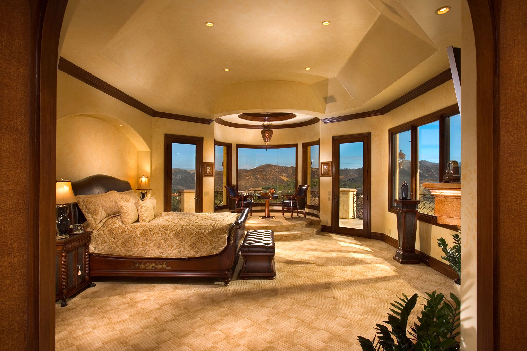10 celebrity rooms that you have to see Cool master bedroom art
