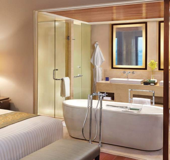 Oberoi Luxury Guide: Find Oberoi Hotel in Mumbai Find Oberoi Hotel in Mumbai bathroom e1458648896584