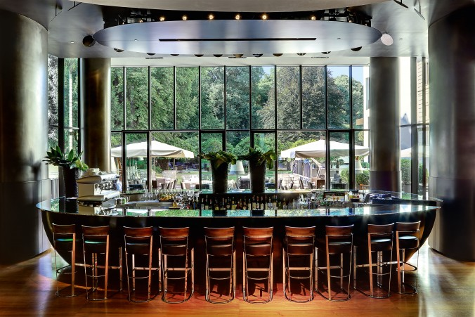 Luxury Guide top 5 Chic Bars in Milan ugo luxury guide Luxury Guide: top 5 Chic Bars in Milan Luxury Guide top 5 Chic Bars in Milan ugo e1457523592155