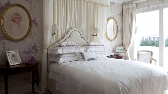 Top 5 interior design projects by Nina Campbell bedroom Nina Campbell Top interior design projects by Nina Campbell Top 5 interior design projects by Nina Campbell bedroom e1458138127724