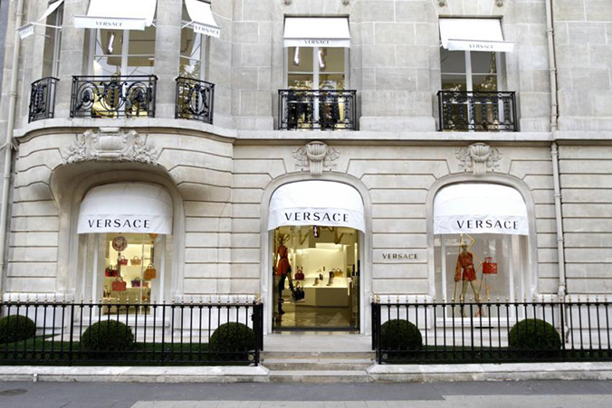 Avenue Montaigne shopping streets shopping streets Luxury Guide: Find The Best High-End Shopping Streets Avenue Montaigne shopping