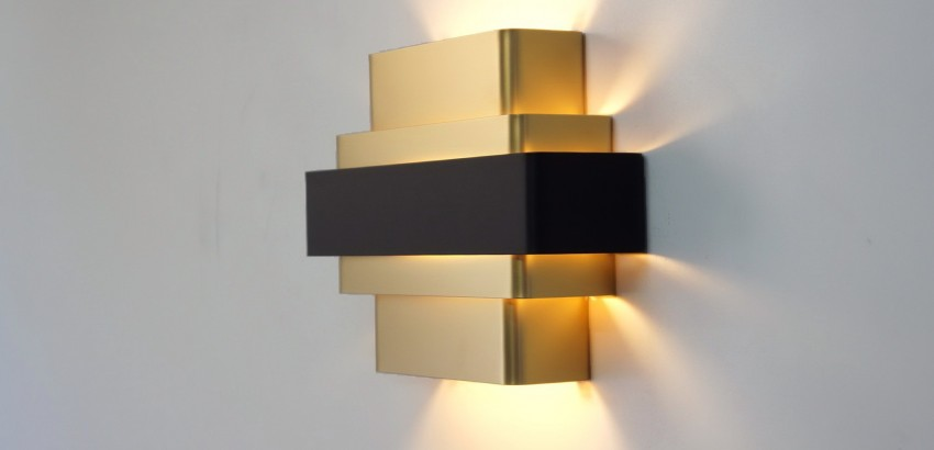 Gold Wall Lamps To Create A Sophisticated Decoration