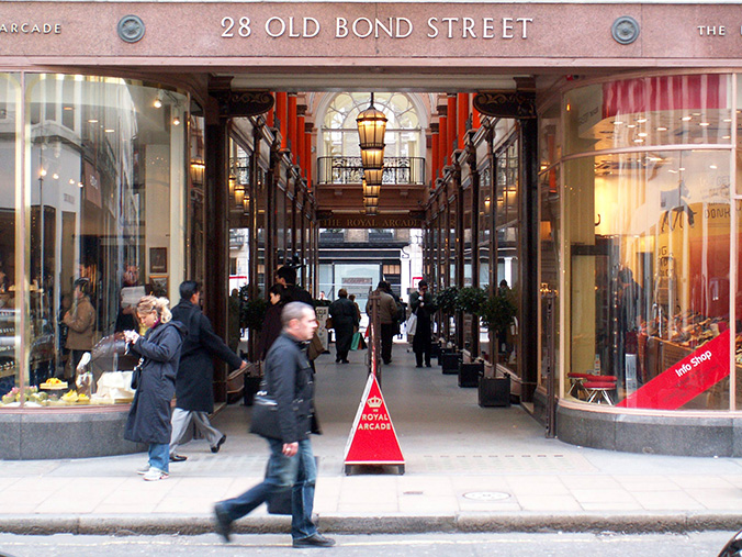 London Shopping streets shopping streets Luxury Guide: Find The Best High-End Shopping Streets london shopping1