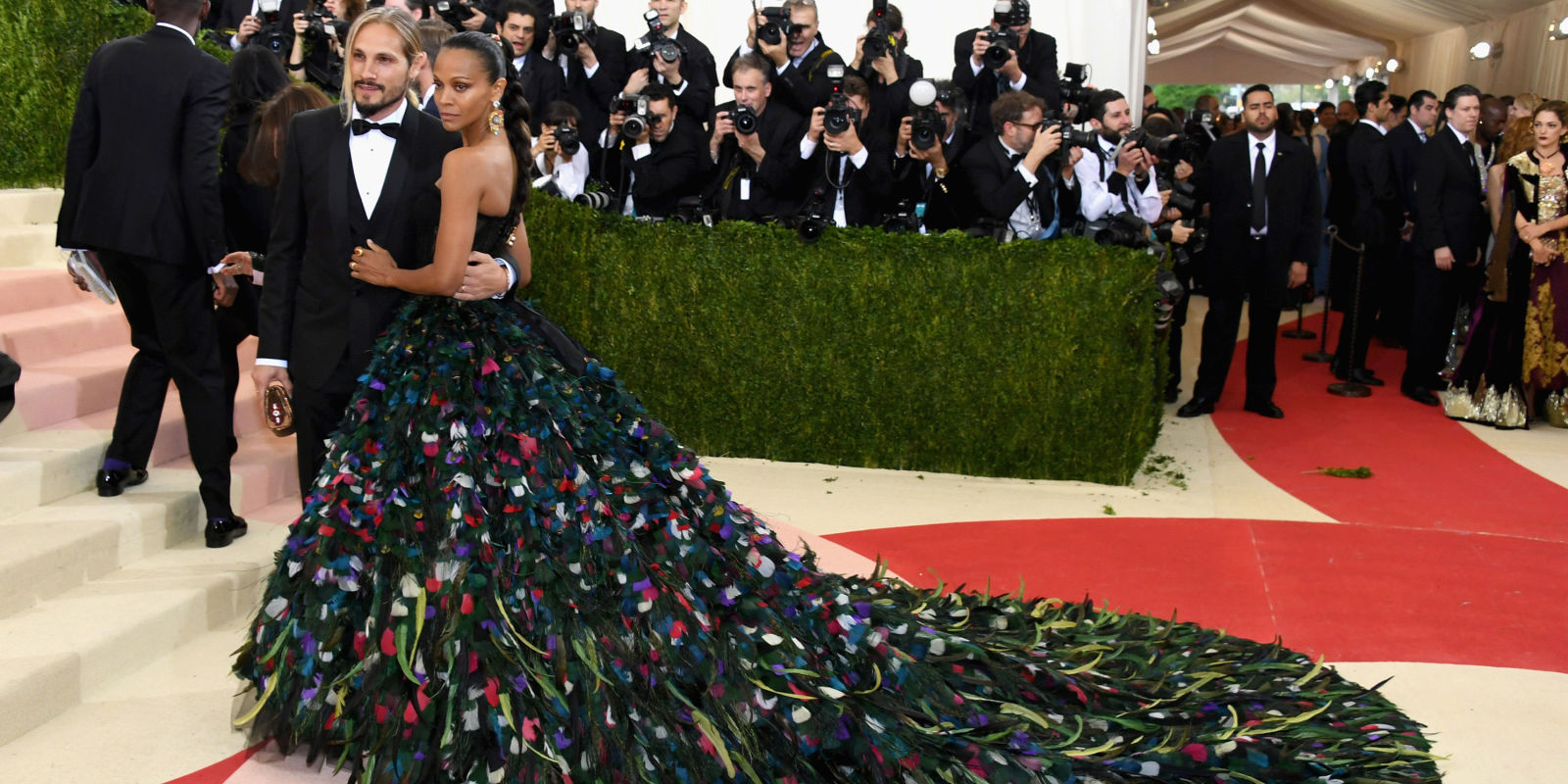 Top 5 looks from the Met Gala's 2016 Red Carpet