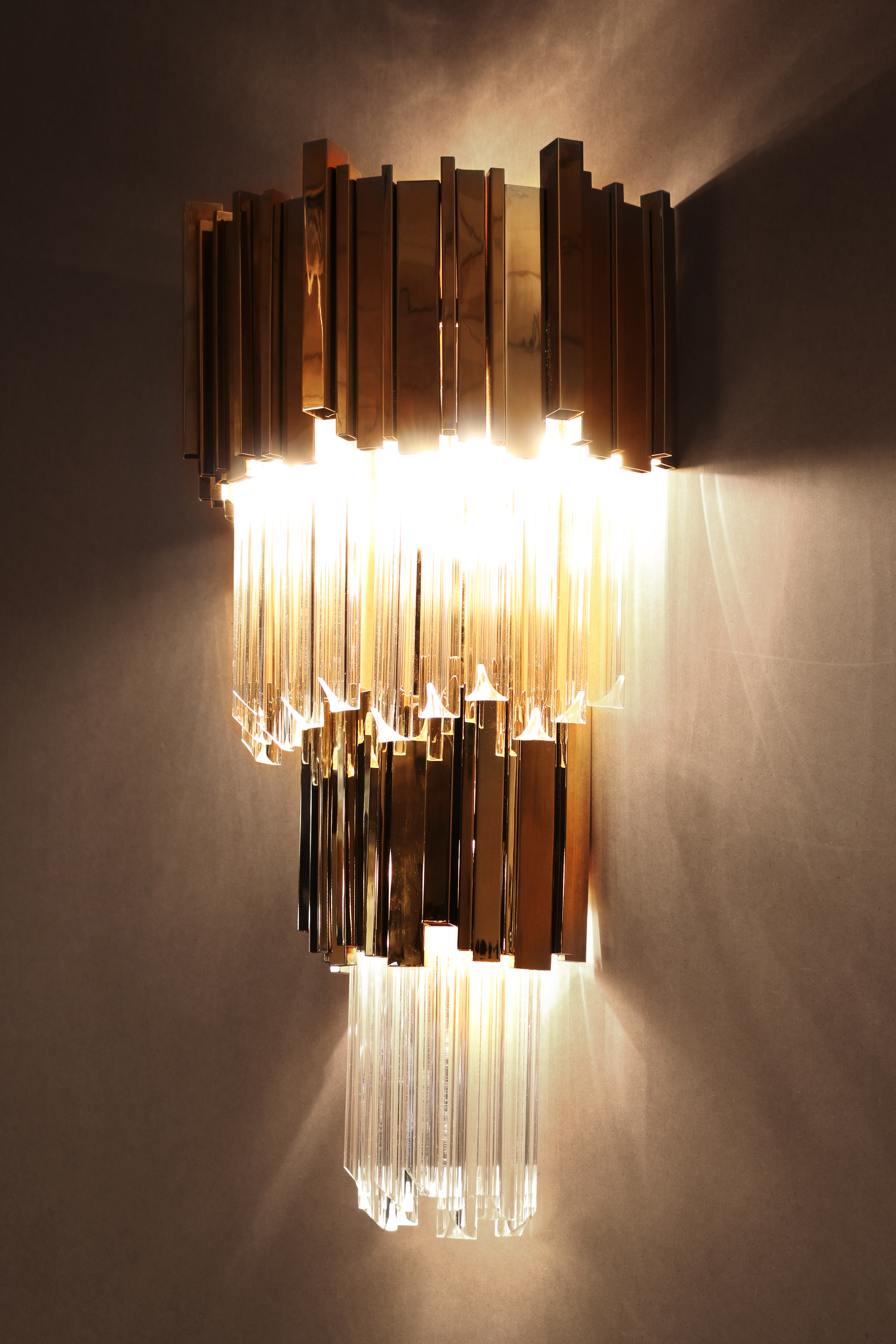 0.3 wall lamp Create a glamorous decor with Luxxu's wall lamps 0