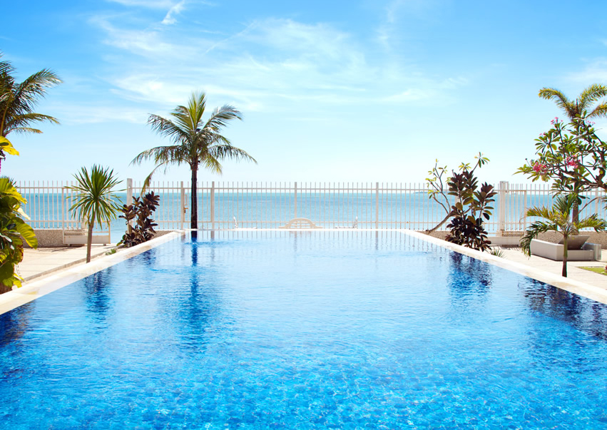 Luxurious Swimming Pools to enjoy Summer Infinite Tropical swimming pools 5 Swimming Pools to enjoy your Summer Luxurious Swimming Pools to enjoy Summer Infinite Tropical