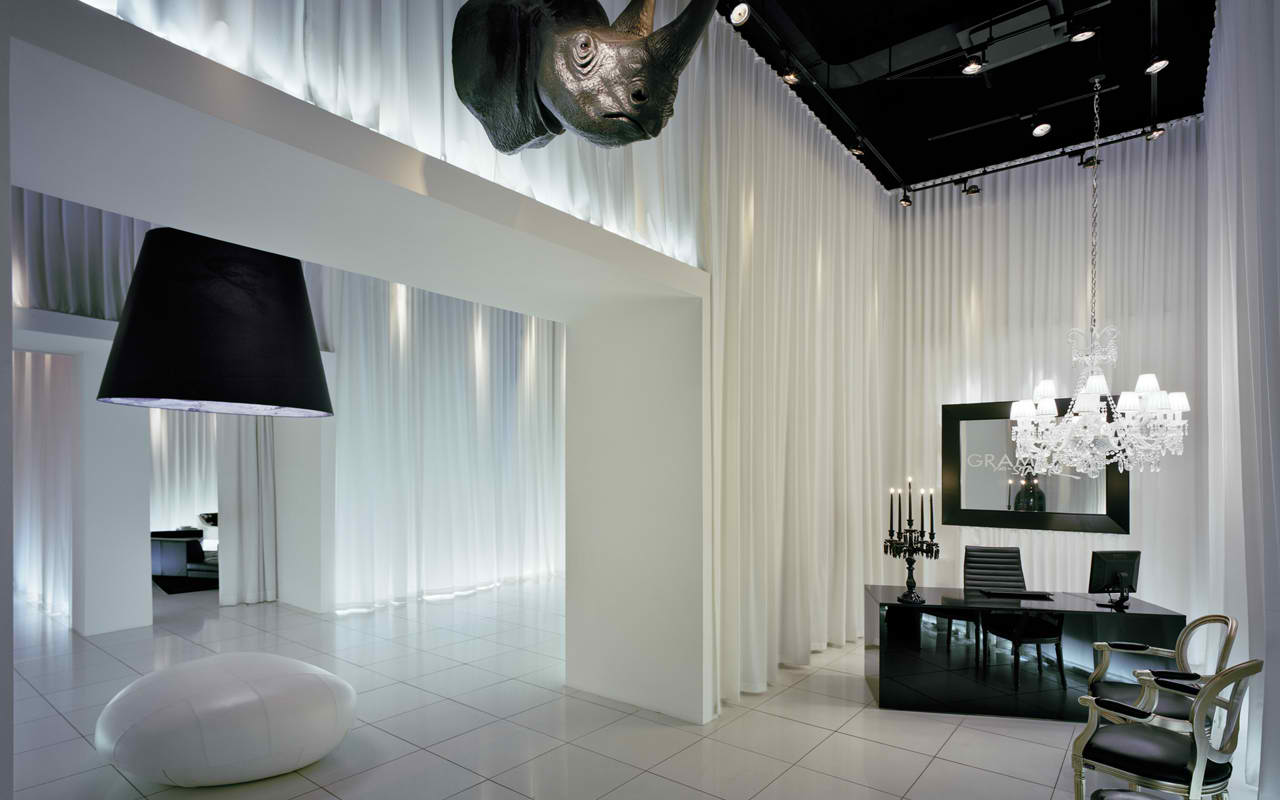 Interior decoration ideas by philippe starck for Philippe starck interior designs