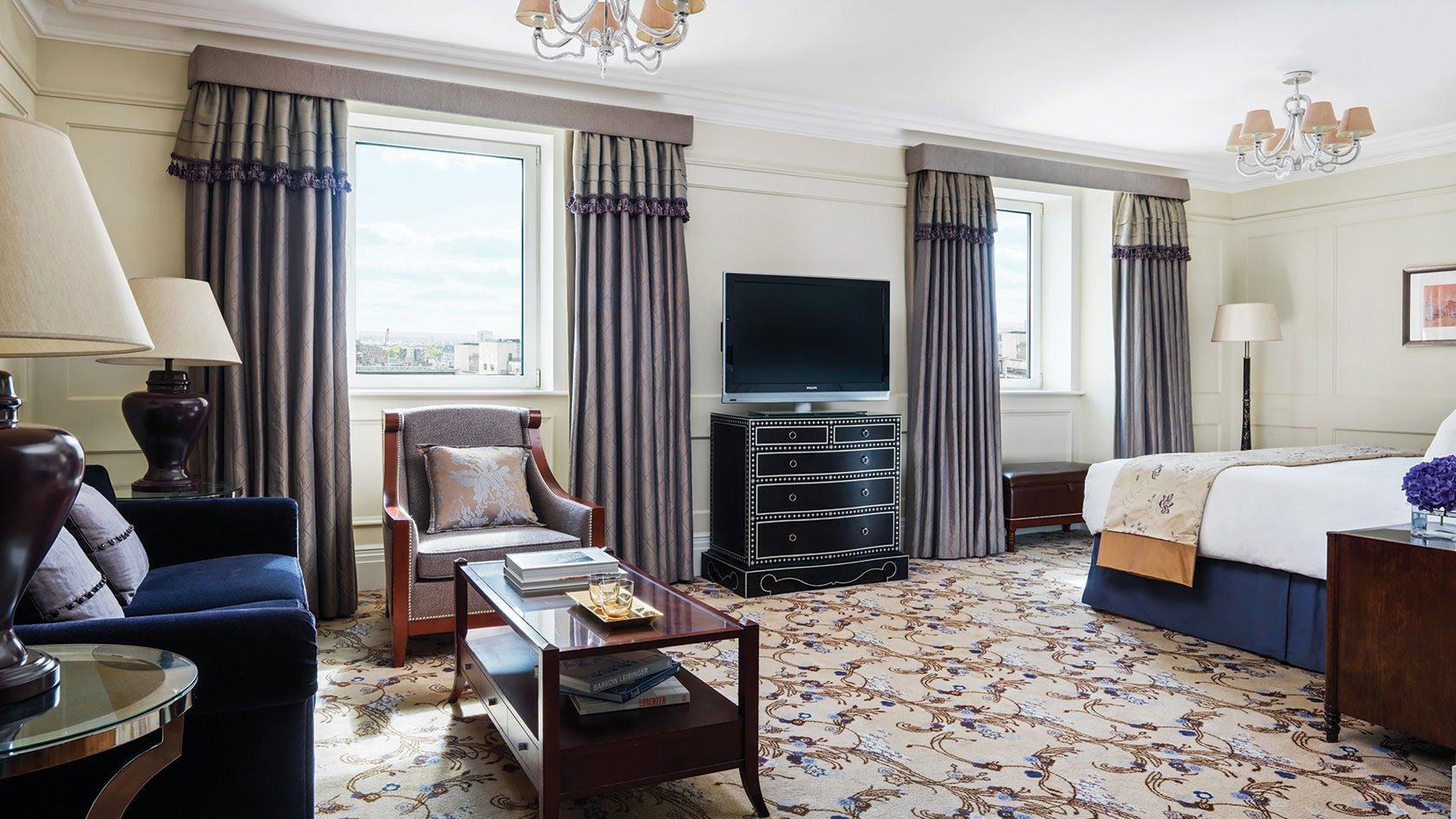 London Best Hotels Langham Hotel Club 4