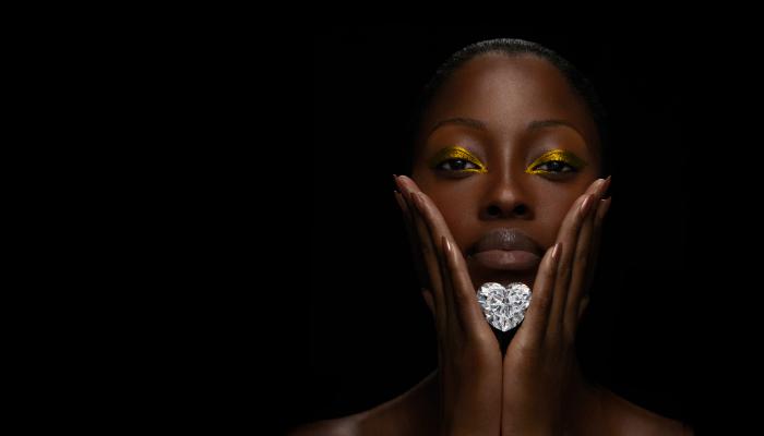 Graff unveils the largest flawless heart-shaped Diamond in the world - diamond design graff Graff unveils the largest flawless heart-shaped diamond in the world Graff unveils the largest flawless heart shaped Diamond in the world diamond design