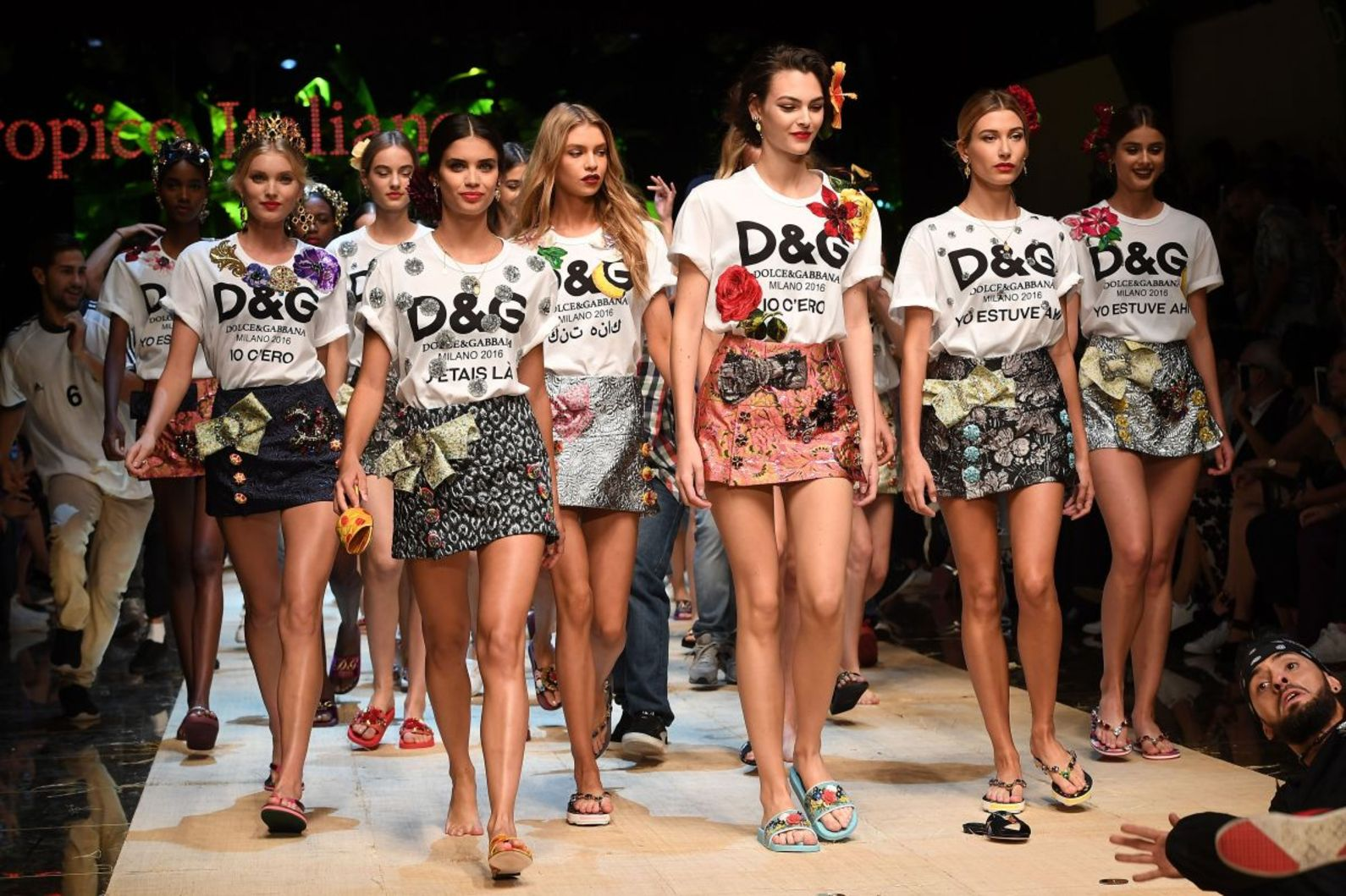 Dolce Gabbana uses Fake Logos as Inspiration for new Iconic Tees dolce gabbana Dolce Gabbana uses Fake Logos as Inspiration for new Iconic Tees Dolce Gabanna uses Fake Logos as Inspiration for new Iconic Tees 1
