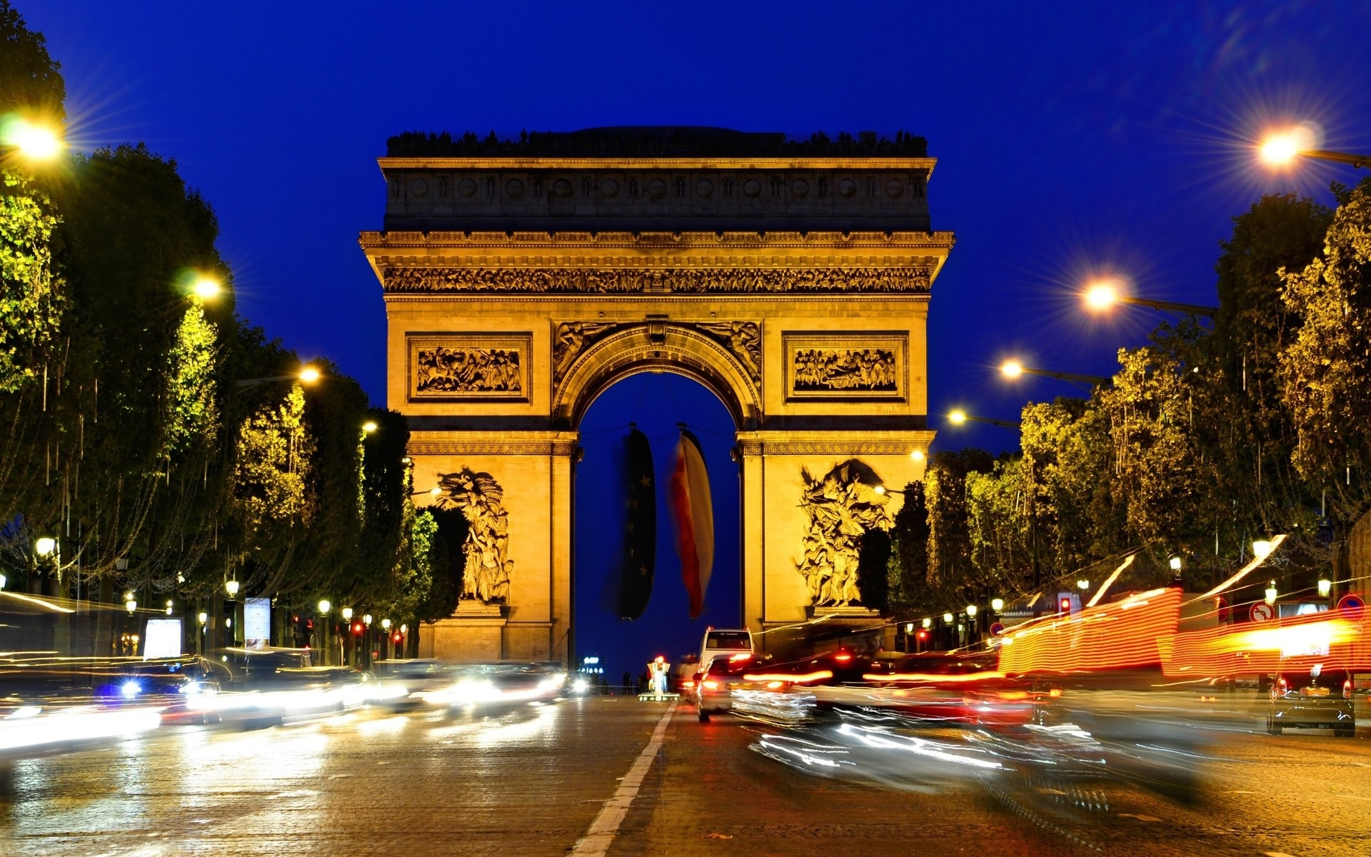Luxury Travel: Places You need to Visit in Paris
