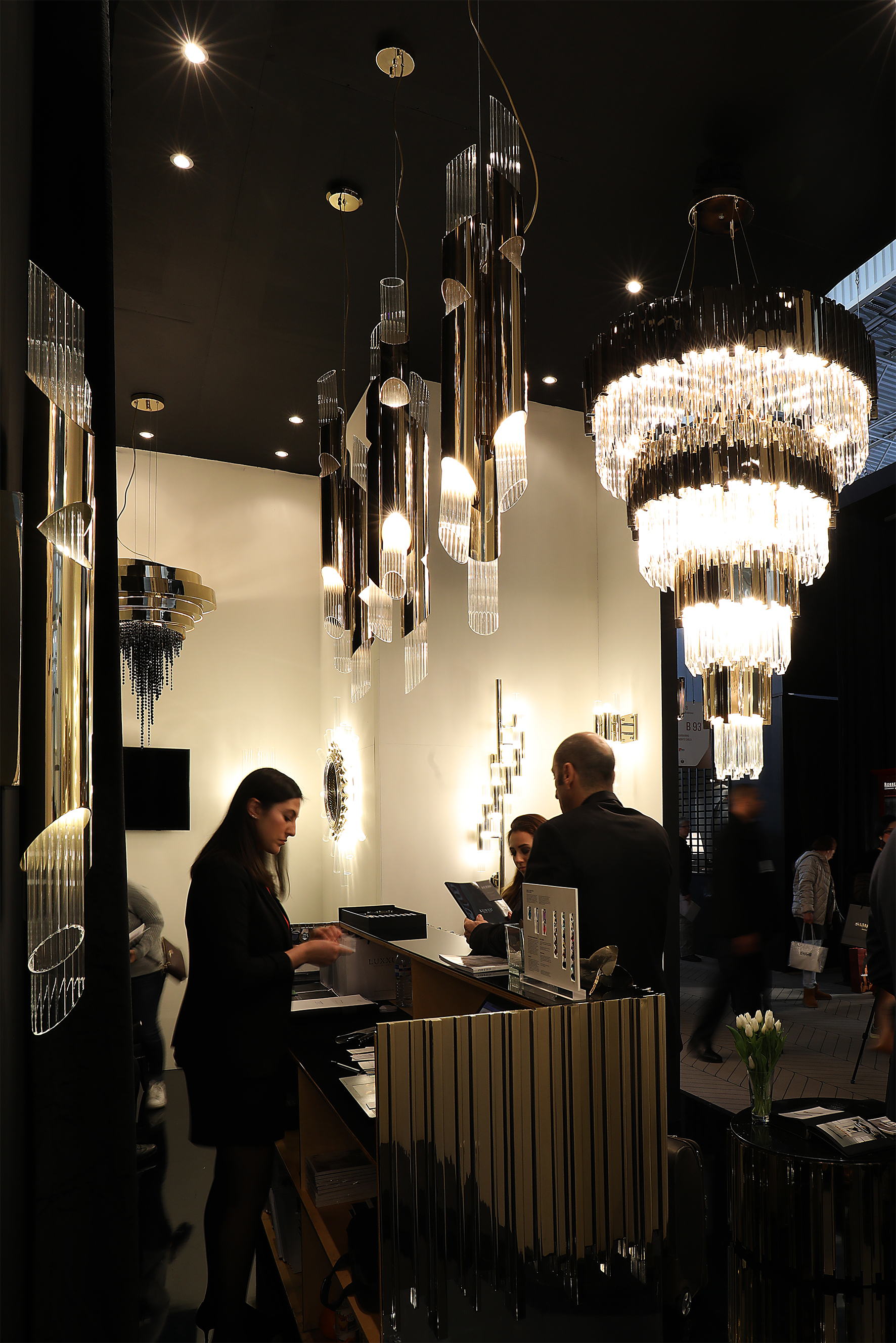 extravagant lighting collection by luxxu at maison et objet paris 2017. Black Bedroom Furniture Sets. Home Design Ideas