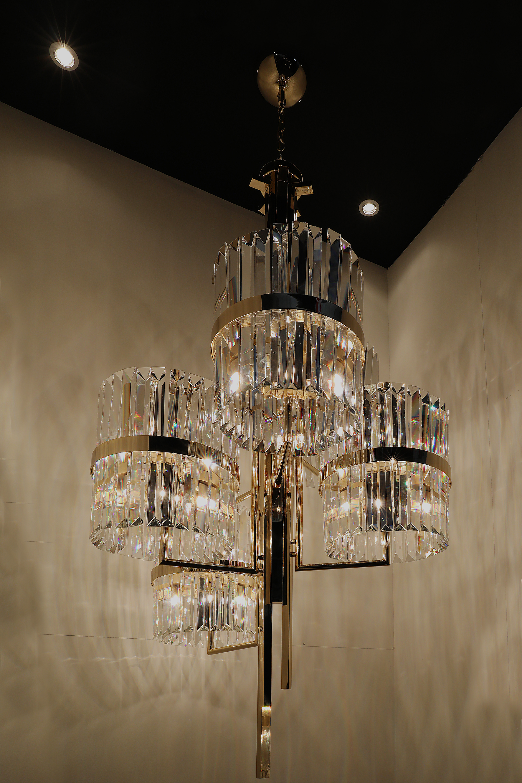 Extravagant Lighting Collection by Luxxu at Maison et Objet Paris 2017 maison et objet paris 2017 Extravagant Lighting Collection by Luxxu at Maison et Objet Paris 2017 liberty chandelier maison objet paris 2017