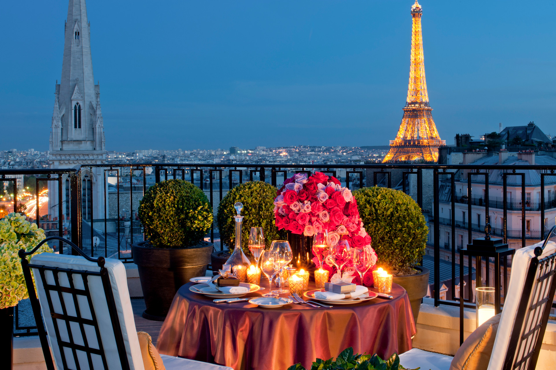 Luxury Travel: 5 Reasons Why Paris Should Be Your Next Destination