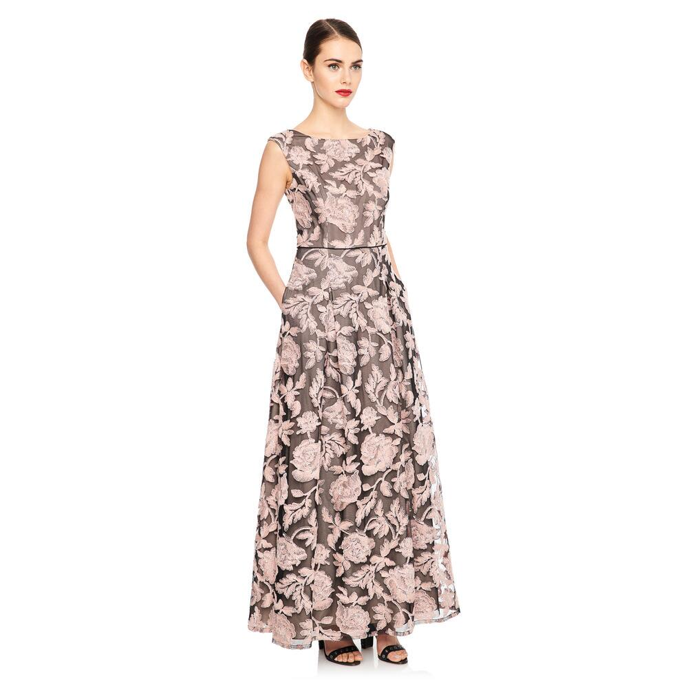 Karl Lagerfeld Launches Feminine Social Evening Wear Collection karl lagerfeld Karl Lagerfeld Launches Feminine Social Evening Wear Collection Karl Lagerfeld Launches Feminine Social Evening Wear Collection 1 1