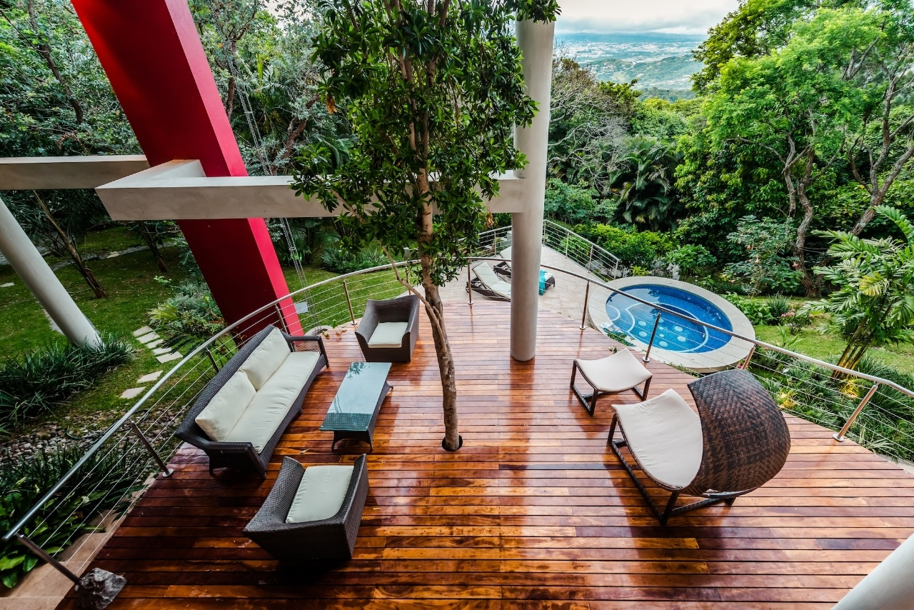 10 Astonishing Views from Luxury Homes Around the World