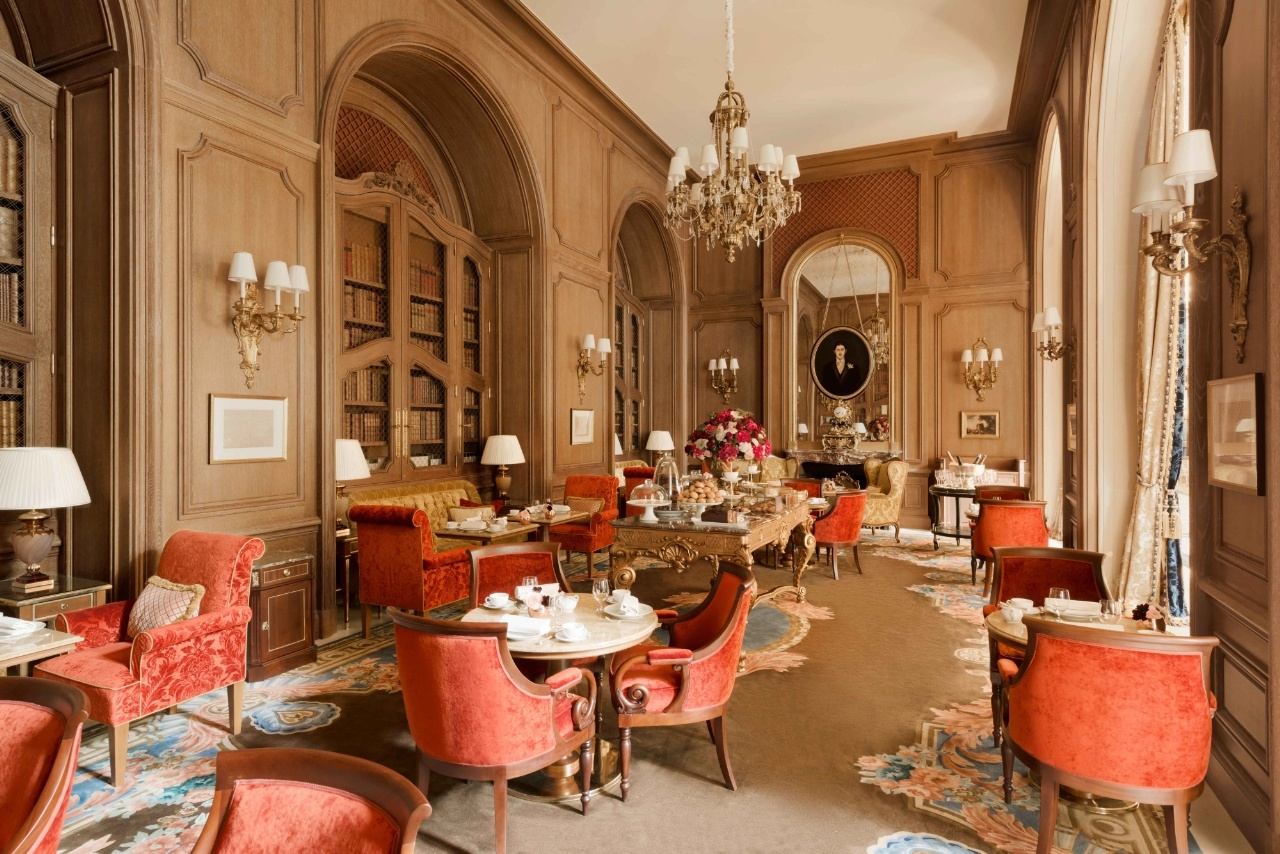 10 things you didn 39 t know about the luxury hotel ritz paris for Salon du design paris