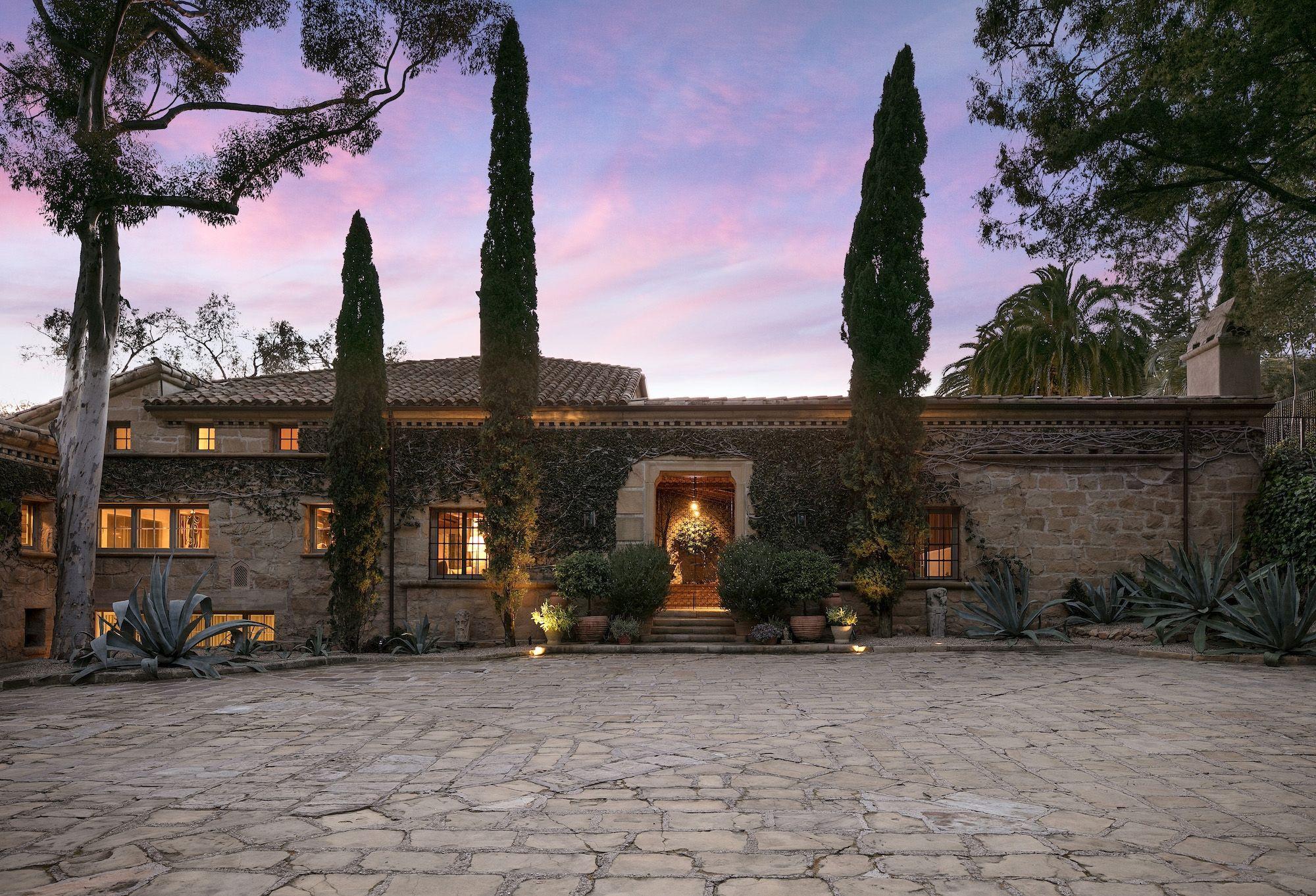 Celebrity Homes : Ellen DeGeneres is Selling Her Santa Barbara Villa celebrity homes Celebrity Homes : Ellen DeGeneres is Selling Her Santa Barbara Villa Celebrity Homes Ellen DeGeneres is Selling Her Santa Barbara Villa 6