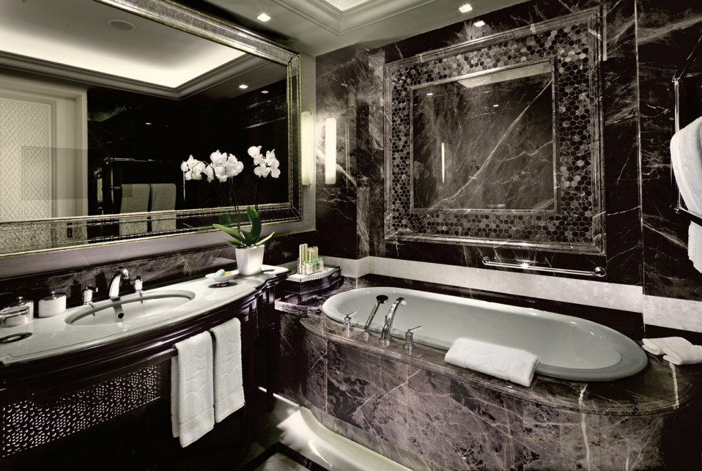 A night inside the 10 most expensive hotels in the world for Expensive hotel in the world