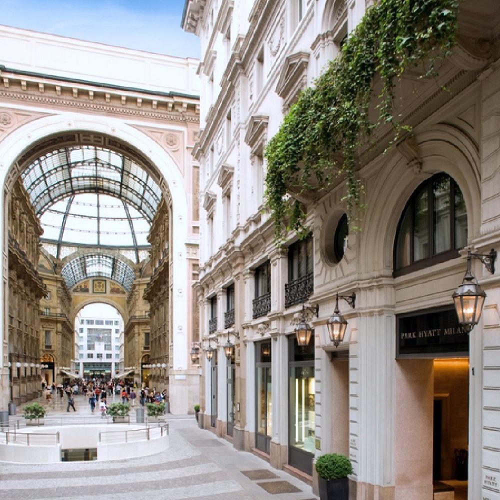 Isaloni 2017 best luxury hotels in milan for Hotel milan
