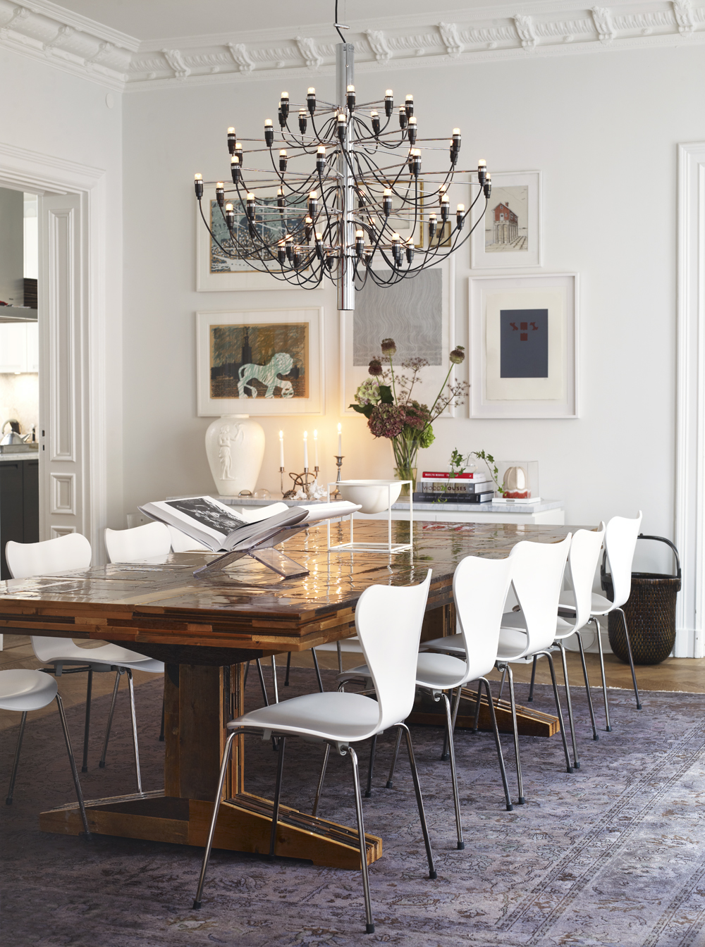7 Summer-Ready Luxury Dining Rooms To Inspire You 04 luxury dining rooms 7 Summer-Ready Luxury Dining Rooms To Inspire You 7 Summer Ready Luxury Dining Rooms To Inspire You 04