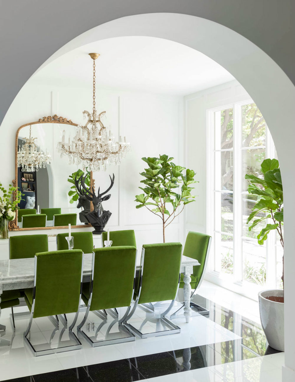 7 Summer-Ready Luxury Dining Rooms To Inspire You