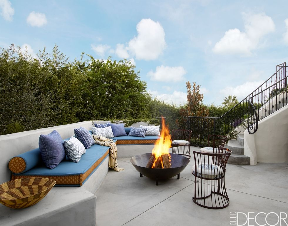 5 Outdoor Fireplaces You Will Want to Use in Your Backyard outdoor fireplaces 5 Outdoor Fireplaces You Will Want to Use in Your Backyard Outdoor Fireplaces You Will Want to Use in Your Backyard 3