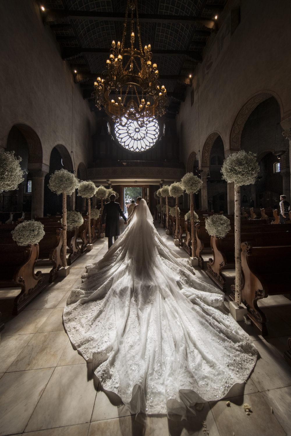swarovski crystals Viktoria Swarovski Got Married in a Gown Covered in Swarovski Crystals Viktoria Swarovski Got Married in a Gown Covered in Swarovski Crystals 02