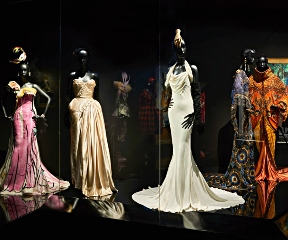 christian dior Luxury Brand Christian Dior exhibits at Musée des Arts Décoratifs Luxury Brand Christian Dior exhibits at Mus  e des Arts D  coratifs 4