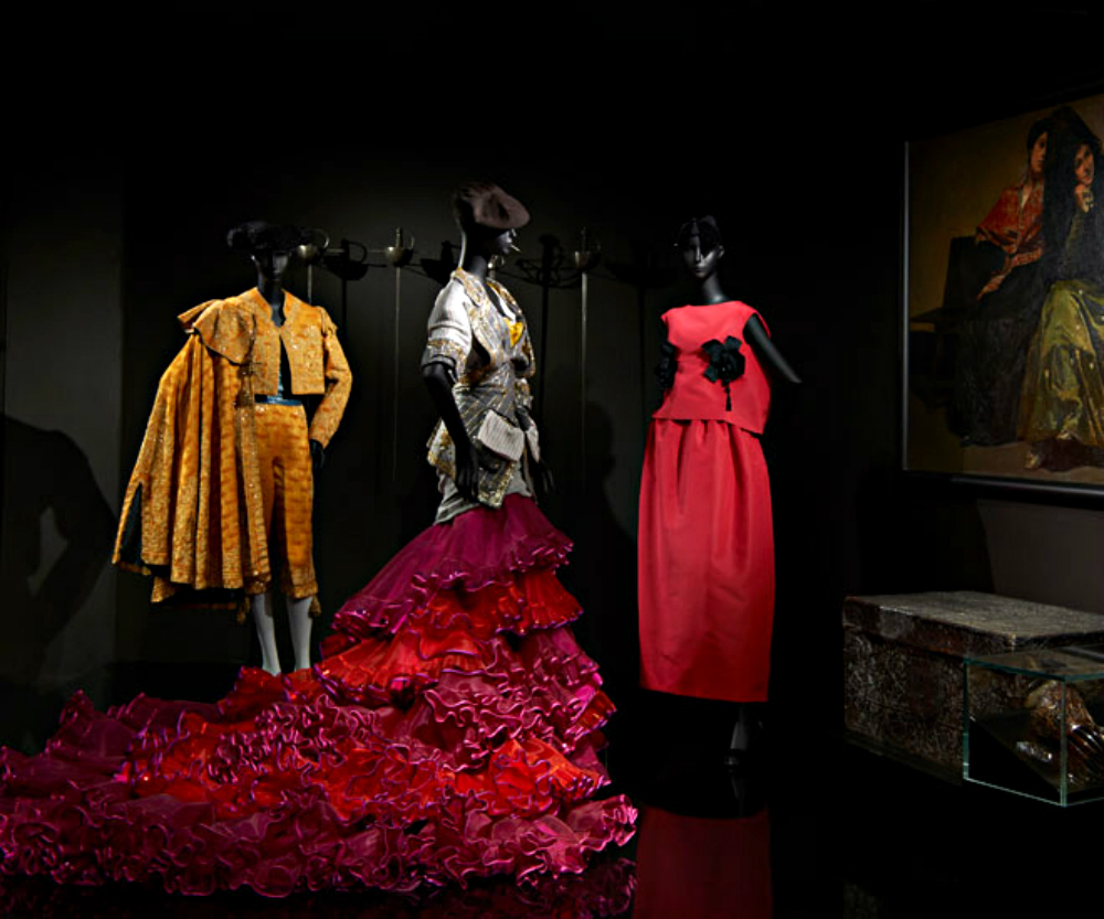 Luxury Brand Christian Dior exhibits at Musée des Arts Décoratifs christian dior Luxury Brand Christian Dior exhibits at Musée des Arts Décoratifs Luxury Brand Christian Dior exhibits at Mus  e des Arts D  coratifs 5