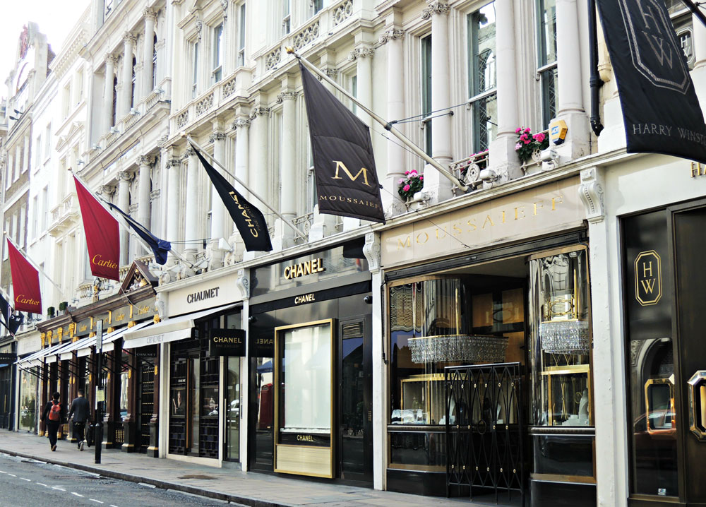 Meet Mayfair - The Most Desirable Neighborhood in London 03 Most Desirable Neighborhood in London Meet Mayfair – The Most Desirable Neighborhood in London Meet Mayfair The Most Desirable Neighborhood in London 03