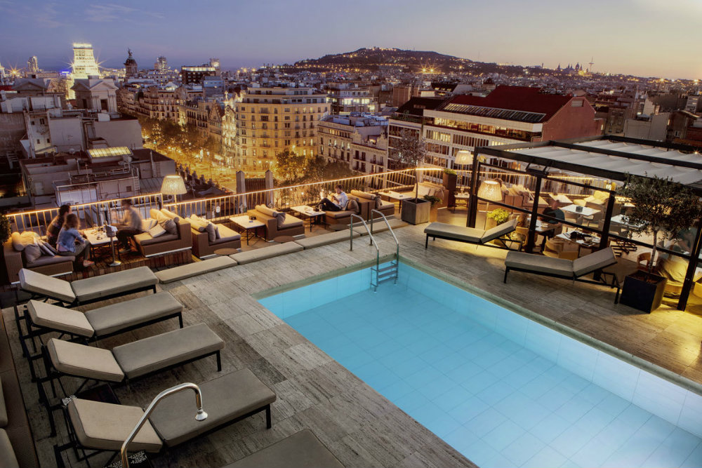 The Best Rooftop Bars in the World 03 Best Rooftop Bars The Best Rooftop Bars in the World The Best Rooftop Bars in the World 03