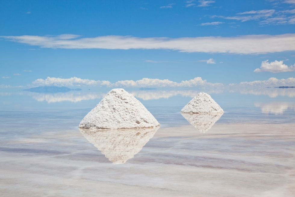 Luxury Travel: Outstanding Places to Visit At Least Once in a Lifetime outstanding places to visit Luxury Travel: Outstanding Places to Visit At Least Once in a Lifetime 5 Outstanding Places to Visit At Least Once in a Lifetime Salar de Uyuni 1