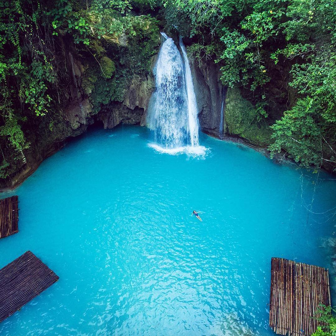 Luxury Travel: Outstanding Places to Visit At Least Once in a Lifetime outstanding places to visit Luxury Travel: Outstanding Places to Visit At Least Once in a Lifetime 5 Outstanding Places to Visit at Least Once in a Lifetime PALAWAN ISLAND
