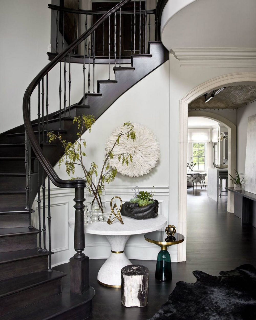 House Tour - A Glamorous and Edgy Chicago Home 02 chicago home House Tour - A Glamorous and Edgy Chicago Home House Tour A Glamorous and Edgy Chicago Home 02