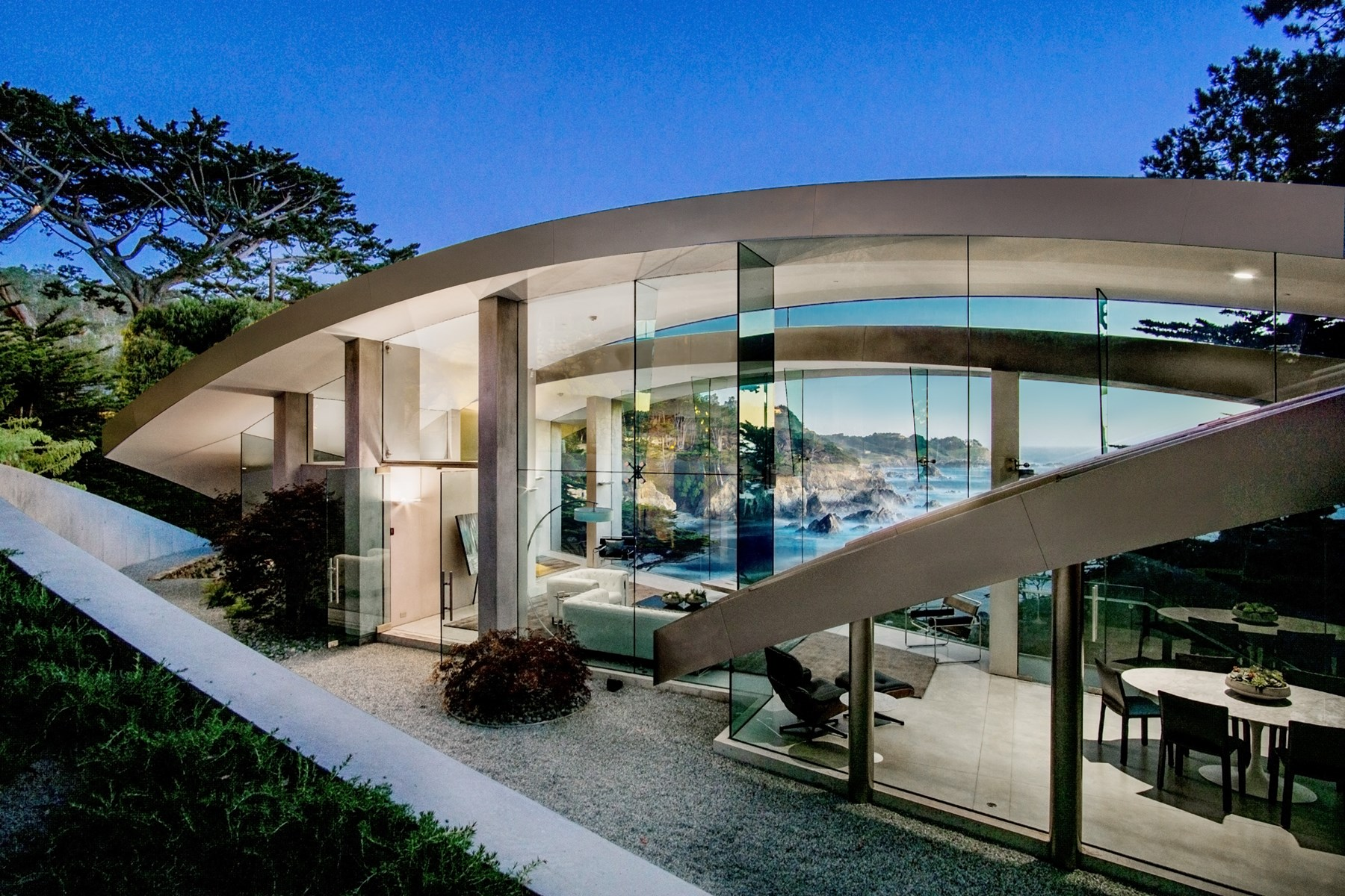 Beautiful luxury homes across the world for Modern style houses for sale