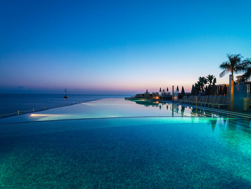 Infinity pool at sunset 0012