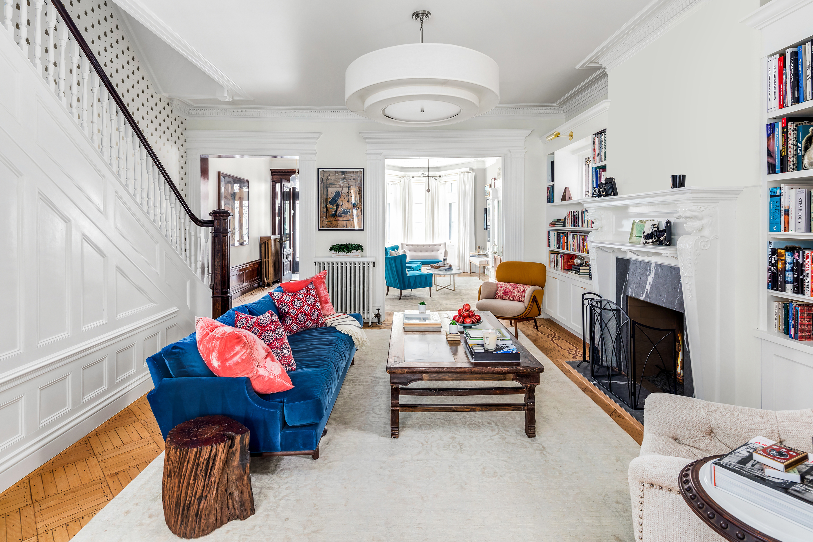 $8 Million is the Listed Price for Emily Blunt's Brooklyn Townhouse emily blunt's brooklyn townhouse $8 Million is the Listed Price for Emily Blunt's Brooklyn Townhouse 8 Million is the Listed Price for Emily Blunts Brooklyn Townhouse 3