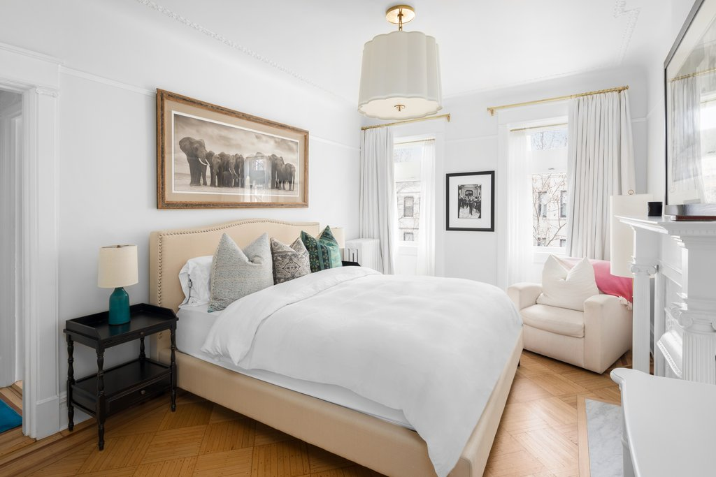 emily blunt's brooklyn townhouse $8 Million is the Listed Price for Emily Blunt's Brooklyn Townhouse 8 Million is the Listed Price for Emily Blunts Brooklyn Townhouse 5