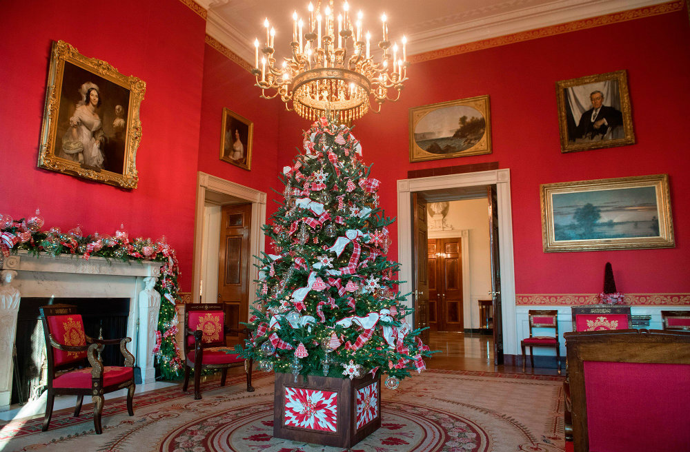 The White House Has Revealed the Christmas 2017 Decorations 07 christmas 2017 decorations The White House Has Revealed the Christmas 2017 Decorations The White House Has Revealed the Christmas 2017 Decorations 07