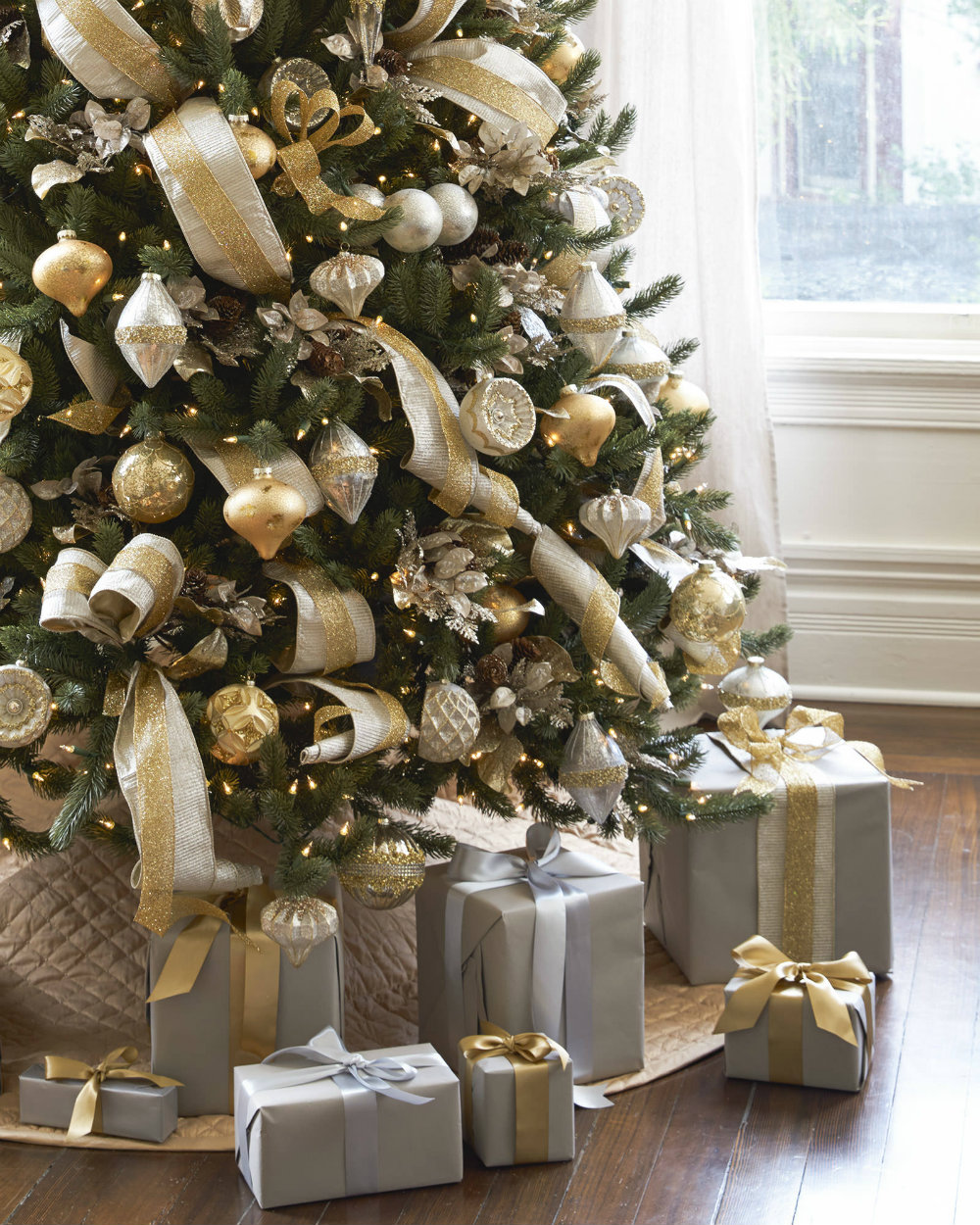 7 chic christmas decorations for the most memorable holiday 02 chic christmas decorations 7 chic christmas - Chic Christmas Decorations