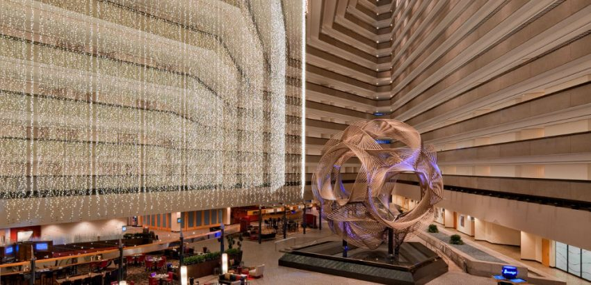 Striking Luxury Hotel Lobbies Around the World 01