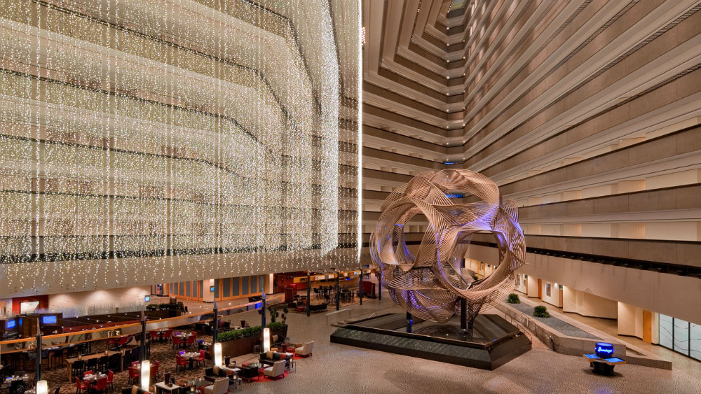 Striking Luxury Hotel Lobbies Around the World